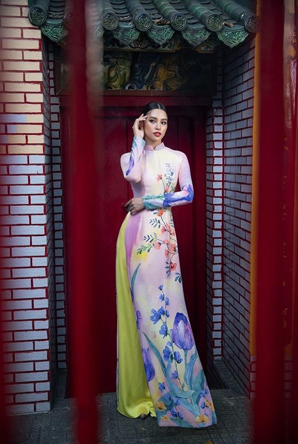 Chuẩn gương mặt đẹp nhất năm, Tiểu Vy lại tung bộ ảnh mới trong trang phục truyền thống-8