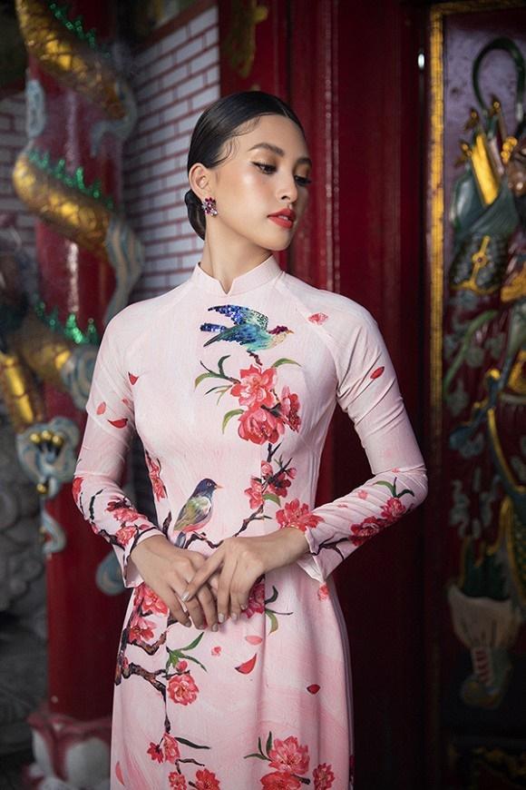 Chuẩn gương mặt đẹp nhất năm, Tiểu Vy lại tung bộ ảnh mới trong trang phục truyền thống-11