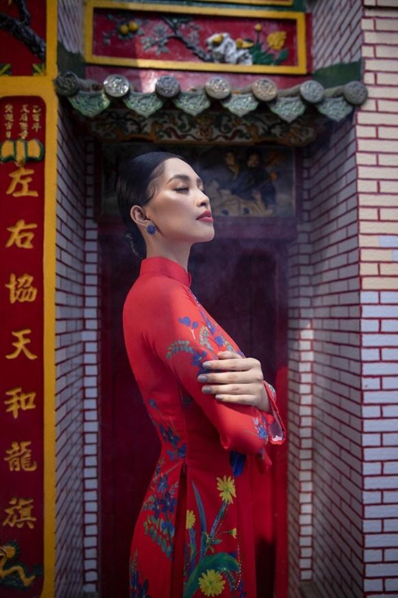 Chuẩn gương mặt đẹp nhất năm, Tiểu Vy lại tung bộ ảnh mới trong trang phục truyền thống-16