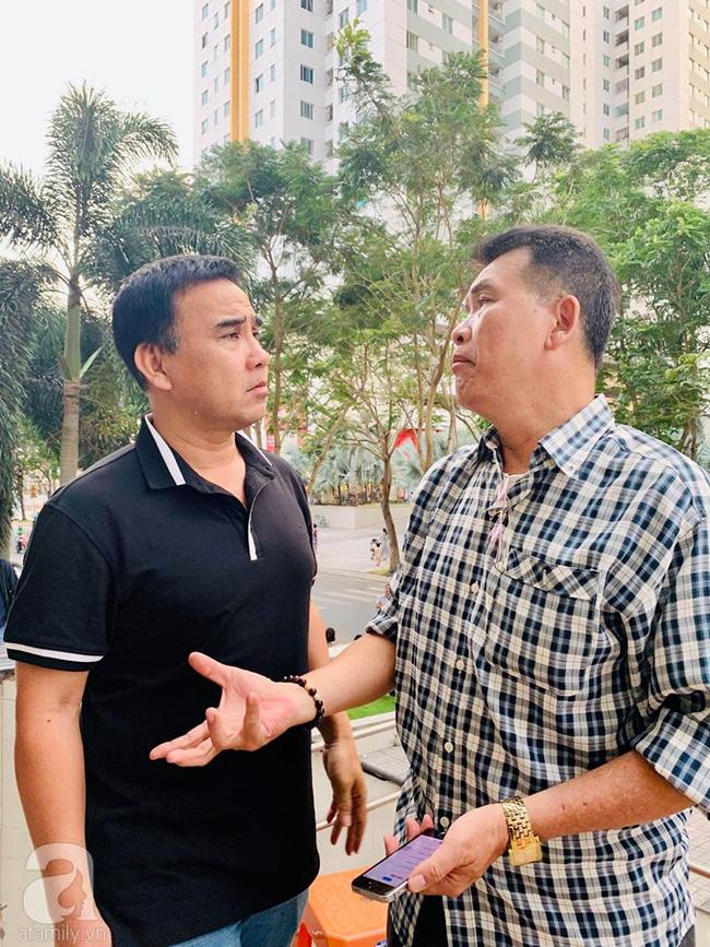 Đám tang NSƯT Nguyễn Chánh Tín: Vợ khóc ngất bên linh cữu chồng-9