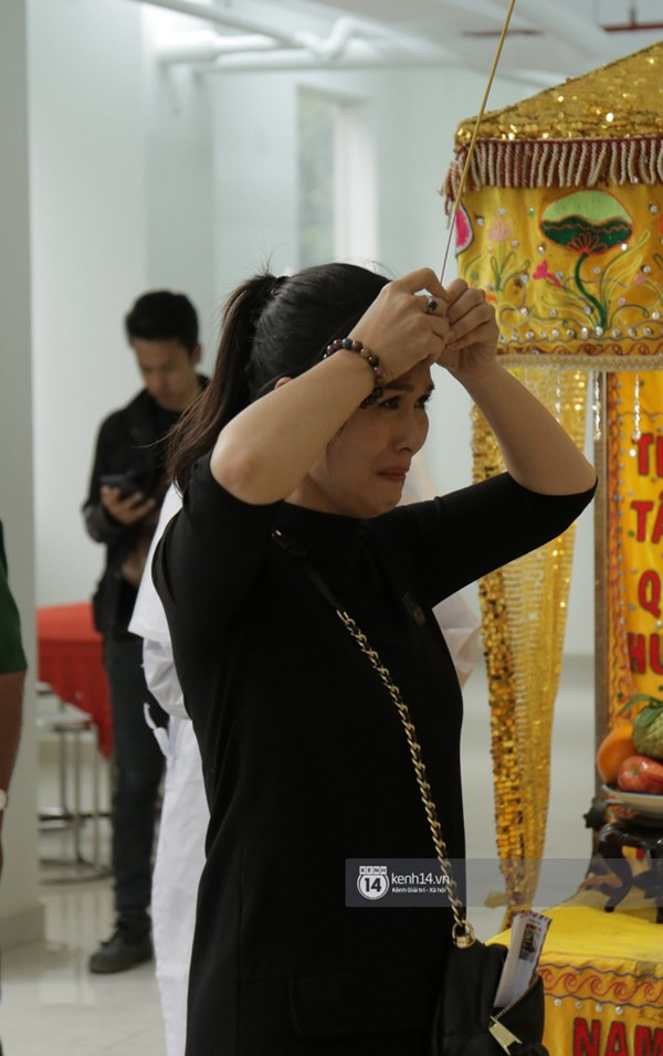 Những giọt nước mắt rơi trong lễ tang nghệ sĩ Nguyễn Chánh Tín: Tuần trước anh còn rủ đi nhậu, vậy mà giờ không còn-5