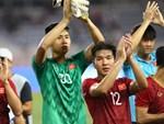 Góc lý giải: Vì sao cầu thủ U23 UAE để bóng chạm tay trong vòng cấm nhưng Việt Nam không có phạt đền?-2