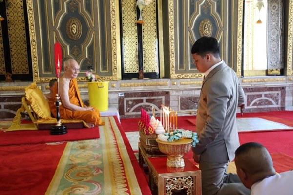 Tiểu hoàng tử Thái Lan từng gây chú ý khi quỳ lạy mẹ trong giây phút mãi chia xa gây bất ngờ với hình ảnh hiện tại-4