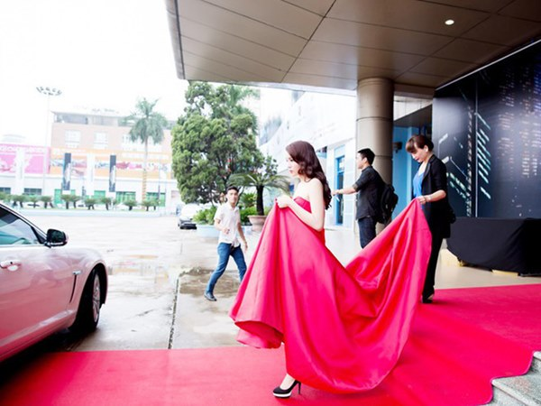 Sự thay đổi của dàn mỹ nhân từng ngụp lặn trong scandal: Khả Ngân, Kỳ Duyên gây dựng hình ảnh mới, bất ngờ nhất là Angela Phương Trinh-10