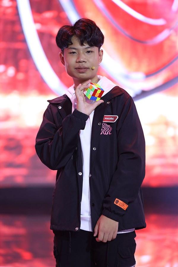 Cậu bé Việt 14 tuổi đại thắng siêu rubik Nhật Bản 29 tuổi ở Siêu trí tuệ-1