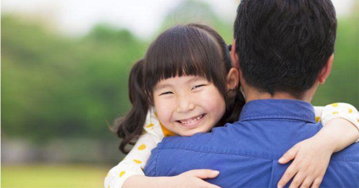 Mẹ kiên quyết đòi ly hôn vì bố có những hành động quá thân mật với… con gái 12 tuổi-1