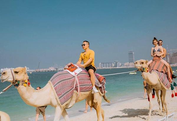 Ngọc Trinh diện bikini dạo biển Dubai-6