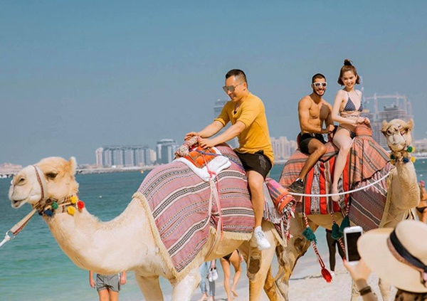 Ngọc Trinh diện bikini dạo biển Dubai-7
