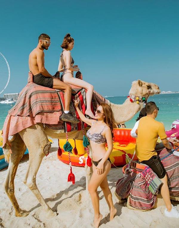 Ngọc Trinh diện bikini dạo biển Dubai-9