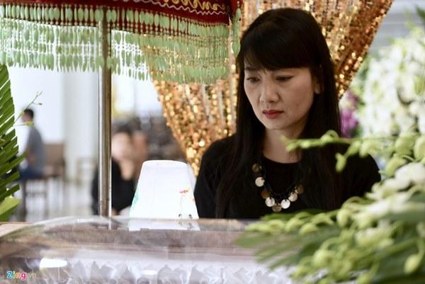 Chi Bảo, Vân Sơn và dàn nghệ sĩ đến viếng NSƯT Chánh Tín-9