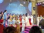 Diễn áo tắm giữa phố và sự bát nháo của cuộc thi hoa hậu ở Trung Quốc-7