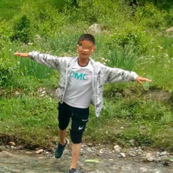 Đứa trẻ 10 tuổi bị hàng xóm sát hại dã man, nguyên nhân dẫn đến hành động này có liên quan đến cái chết của con nghi phạm-1