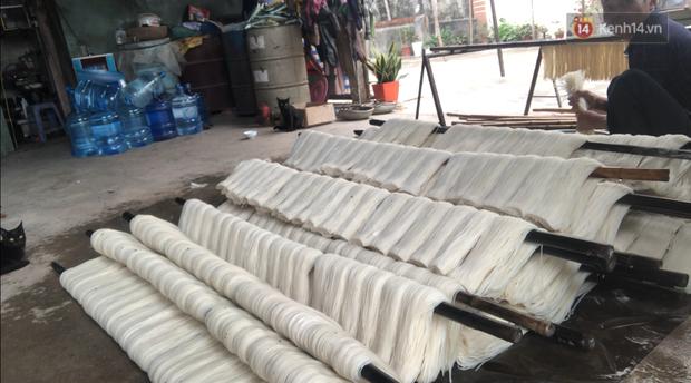 Kinh hãi quy trình làm miến bẩn phục vụ Tết Canh Tý ở làng nghề ven đô Hà Nội-9