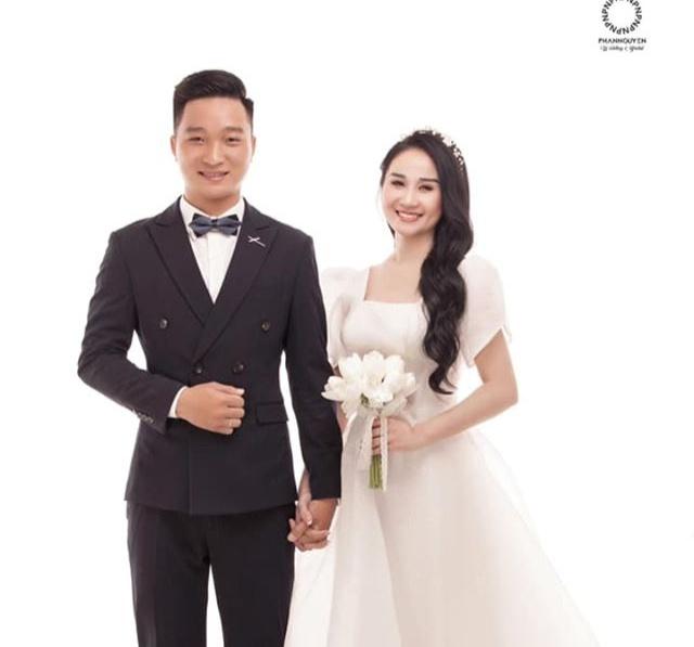 Bạn gái cũ xác nhận chia tay Tiến Linh, thông báo kết hôn người mới-1