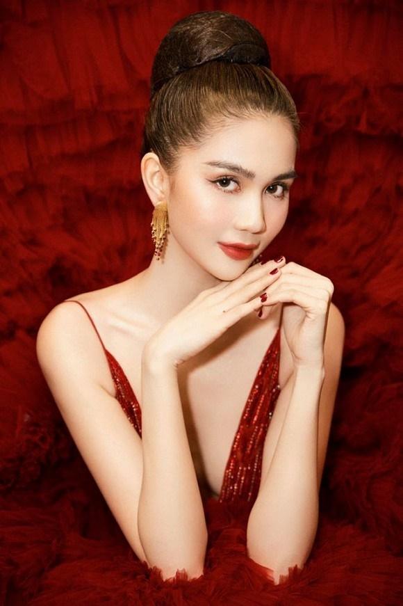 Ngọc Trinh diện đầm đỏ nóng bỏng, lộng lẫy như bà hoàng-7
