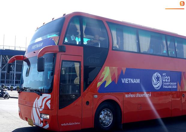 U23 Việt Nam được cảnh sát Hoàng gia Thái Lan bảo vệ cực nghiêm khi tới Buriram-2