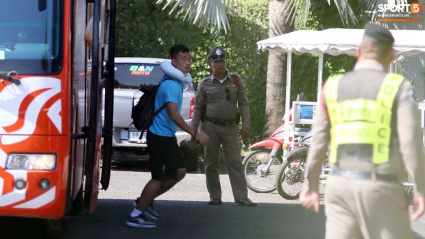 U23 Việt Nam được cảnh sát Hoàng gia Thái Lan bảo vệ cực nghiêm khi tới Buriram-4