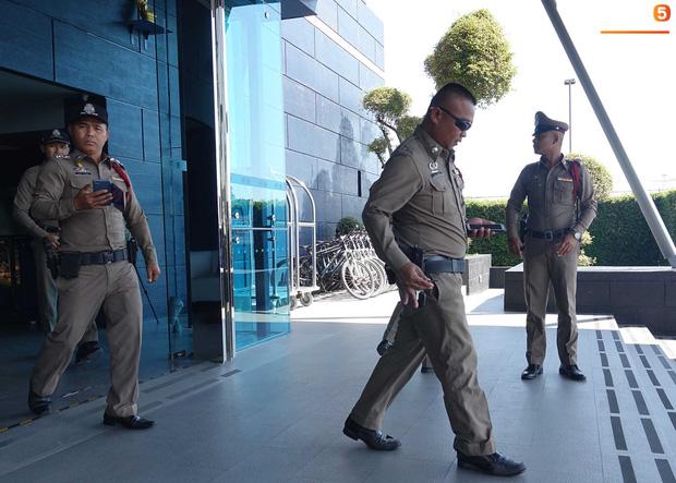 U23 Việt Nam được cảnh sát Hoàng gia Thái Lan bảo vệ cực nghiêm khi tới Buriram-6