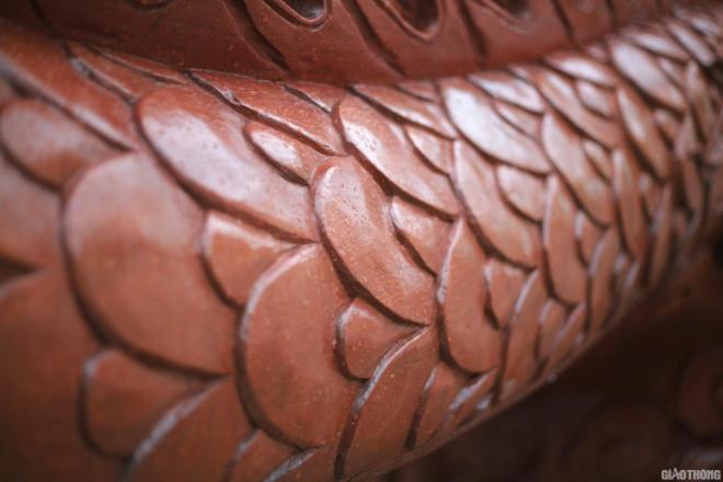 Ngắm chậu đào khủng Long quyện ngũ hành sơn giá bạc tỷ trên phố Hà Nội-5