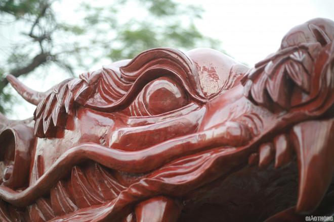 Ngắm chậu đào khủng Long quyện ngũ hành sơn giá bạc tỷ trên phố Hà Nội-6