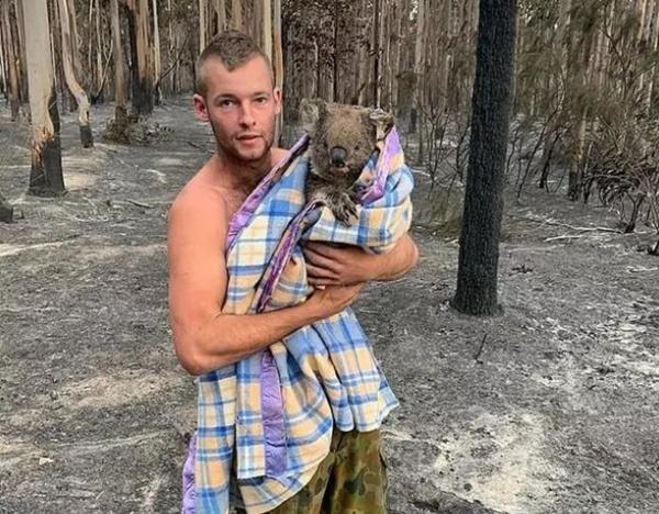 Mạng xã hội ngập ảnh bầu trời đỏ do cháy rừng ở Australia-6