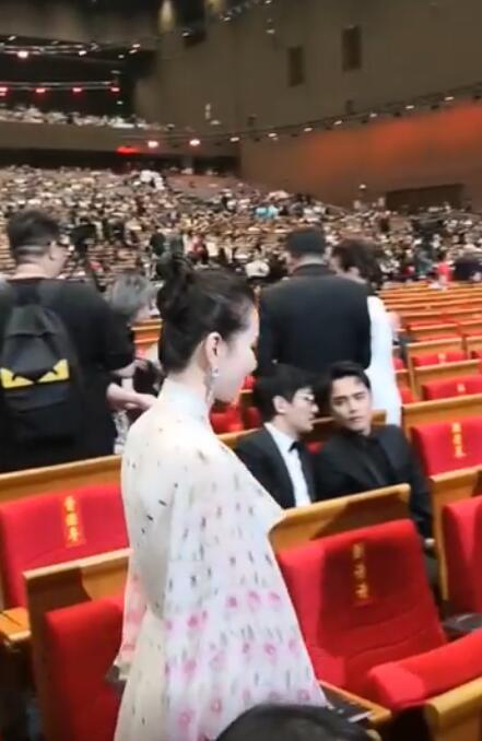 Minh Đạo 39 tuổi không có vợ con, Lưu Thi Thi nhìn thấy bạn trai cũ thì xấu hổ đến mức ngồi nhầm chỗ-4