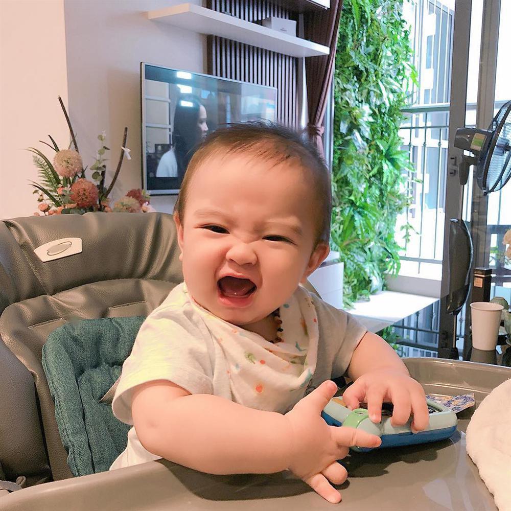 Đi họp phụ huynh cho Sữa chủ tịch, Hằng Túi tự hào khoe cậu bé 2 tuổi biết hát, biết đếm nhưng cạn lời trước năng khiếu đặc biệt này-6
