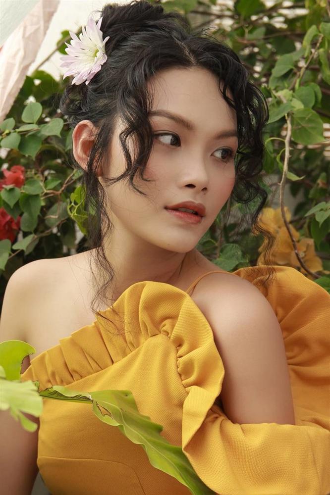 Con gái nữ hoàng cảnh nóng phim Việt ngoài đời gợi cảm khó ngờ-2
