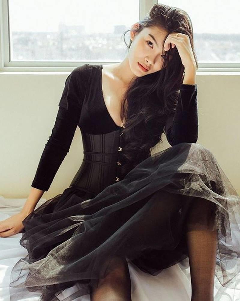 Con gái nữ hoàng cảnh nóng phim Việt ngoài đời gợi cảm khó ngờ-7