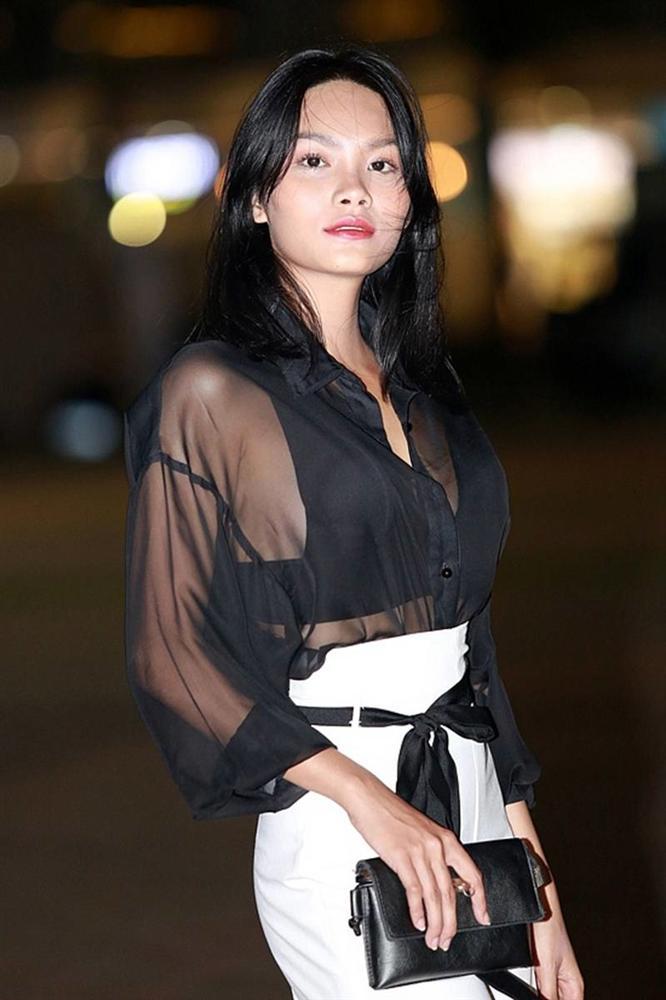 Con gái nữ hoàng cảnh nóng phim Việt ngoài đời gợi cảm khó ngờ-9