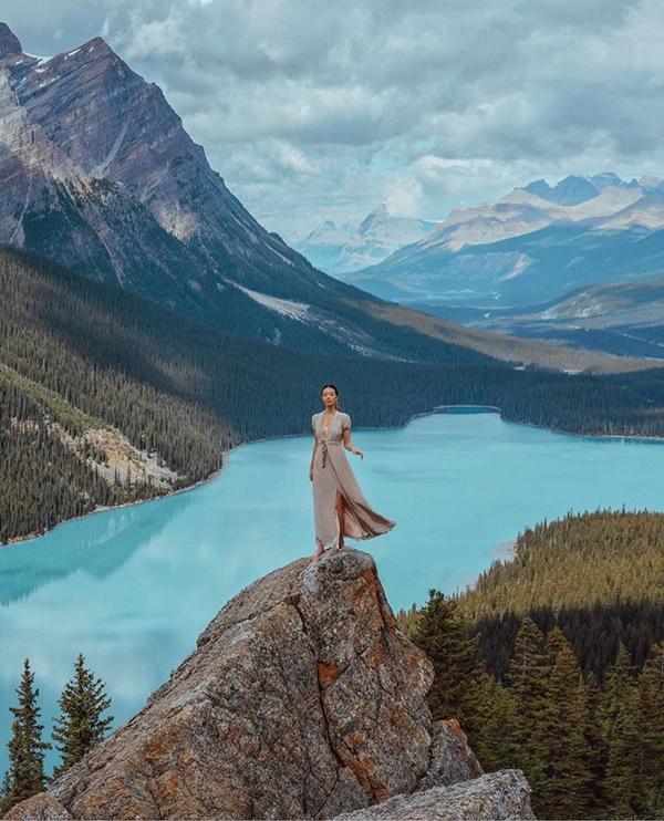 Choáng với nữ blogger kiếm 18 tỷ một năm nhờ đi du lịch khắp thế giới, đăng một bức ảnh nhận 240 triệu-4