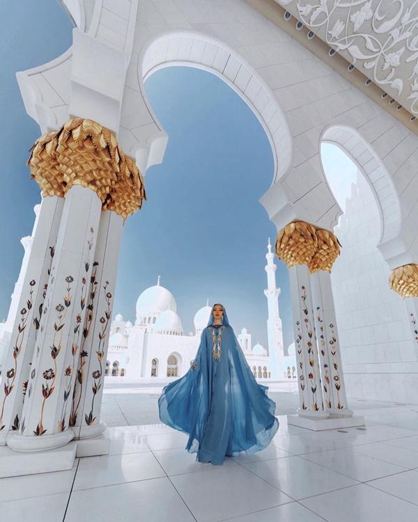 Choáng với nữ blogger kiếm 18 tỷ một năm nhờ đi du lịch khắp thế giới, đăng một bức ảnh nhận 240 triệu-10