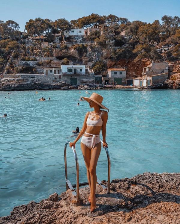Choáng với nữ blogger kiếm 18 tỷ một năm nhờ đi du lịch khắp thế giới, đăng một bức ảnh nhận 240 triệu-17
