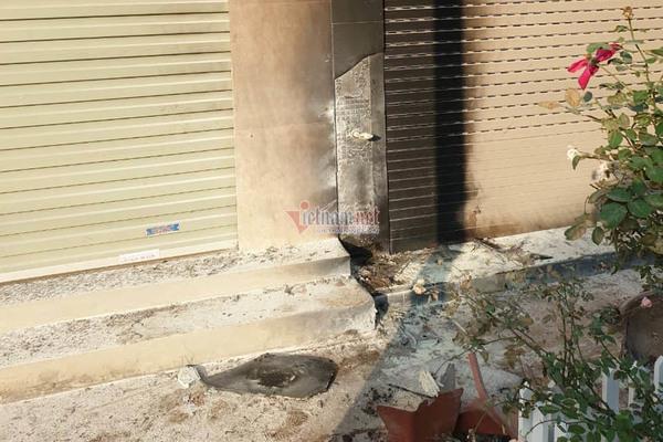 Bọc thuốc phát nổ như bom trước nhà dân chấn động thị trấn ở Hà Nội-4