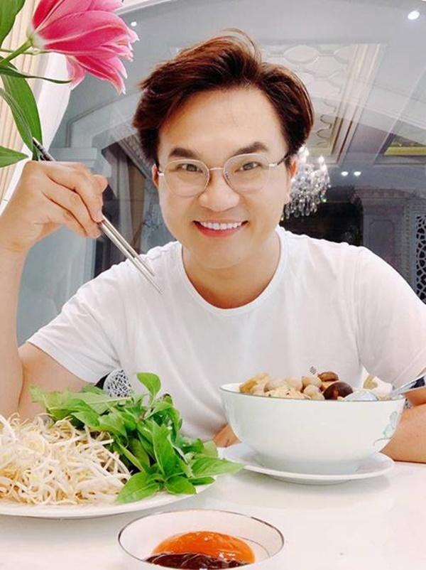 MC làm từ thiện nhiều bậc nhất Việt Nam lên tiếng về tranh cãi ăn chay không được ăn hành tỏi-1