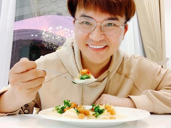 MC làm từ thiện nhiều bậc nhất Việt Nam lên tiếng về tranh cãi ăn chay không được ăn hành tỏi-6
