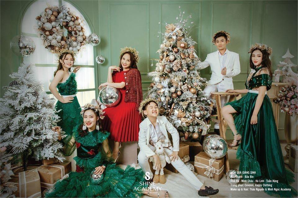 Thu Quỳnh khoe vòng 1 gợi cảm trong ảnh lịch đón năm mới-4