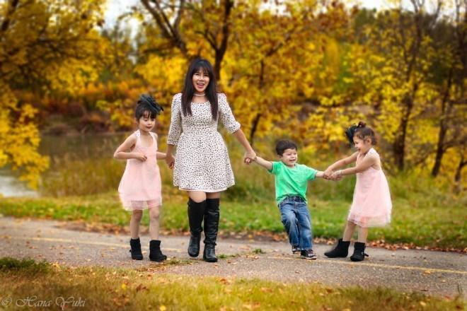 Mẹ 3 con chia sẻ kinh nghiệm dạy con làm việc nhà từ khi 2 tuổi-1