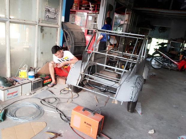 Cậu học sinh Nam Định chế ô tô chạy bằng năng lượng mặt trời chở được 12 người-2