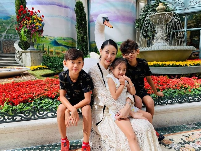 3 Hoa hậu giàu nhất VN: Biệt thự 100 tỷ của Hà Kiều Anh chưa bằng mỹ nhân có cung điện dát vàng-10
