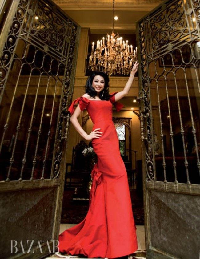 3 Hoa hậu giàu nhất VN: Biệt thự 100 tỷ của Hà Kiều Anh chưa bằng mỹ nhân có cung điện dát vàng-15