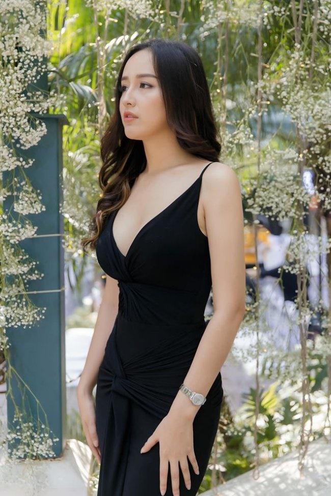 3 Hoa hậu giàu nhất VN: Biệt thự 100 tỷ của Hà Kiều Anh chưa bằng mỹ nhân có cung điện dát vàng-28