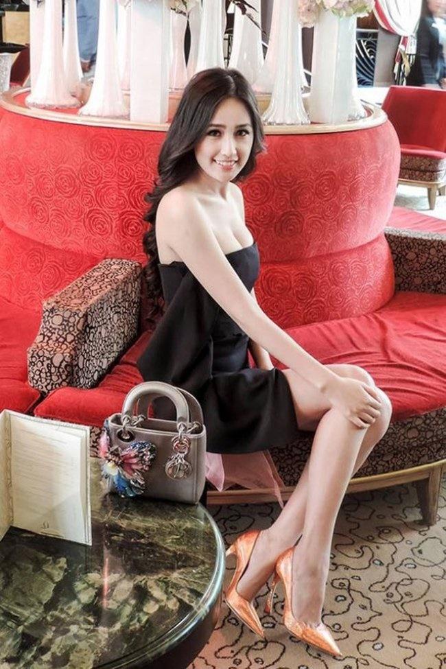 3 Hoa hậu giàu nhất VN: Biệt thự 100 tỷ của Hà Kiều Anh chưa bằng mỹ nhân có cung điện dát vàng-29