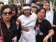 Vợ nghệ sĩ Nguyễn Chánh Tín liên tục ngã quỵ khi đưa tiễn chồng về nơi vĩnh hằng