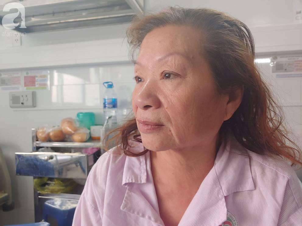 Mẹ nhồi máu cơ tim nặng được người dưng đưa đi cấp cứu, con gái ruột nói nghèo quá, không lo được rồi biệt tăm-7