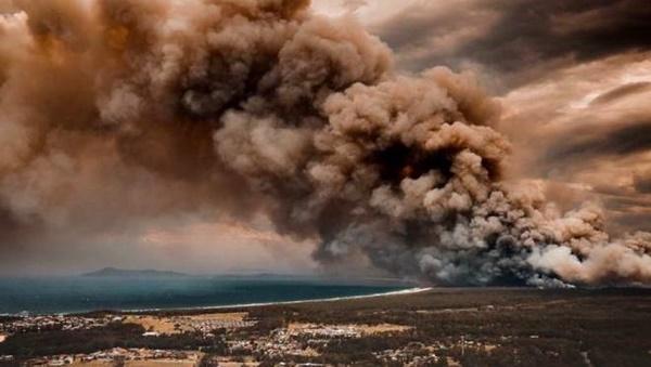 Thêm loạt ảnh Before/After chứng minh sự tàn khốc của đại hoạ cháy rừng nước Úc: Khắp nơi ngập trong khói, địa điểm du lịch bị huỷ hoại hàng loạt-10