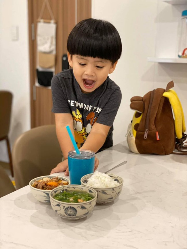 Hậu ly hôn Thanh Bình, Ngọc Lan bất ngờ thú nhận là bà mẹ chăm con rất dở nhưng nhìn cậu bé ai cũng khen ngợi-4