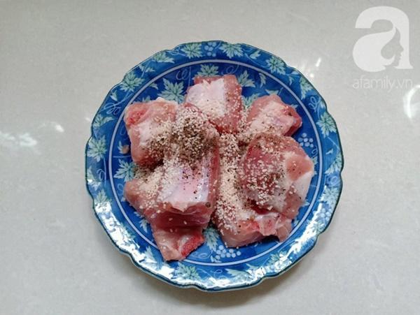 Tết này mẹ tôi có món canh sườn ngọt thơm, ai ăn cũng khen xuýt xoa-3