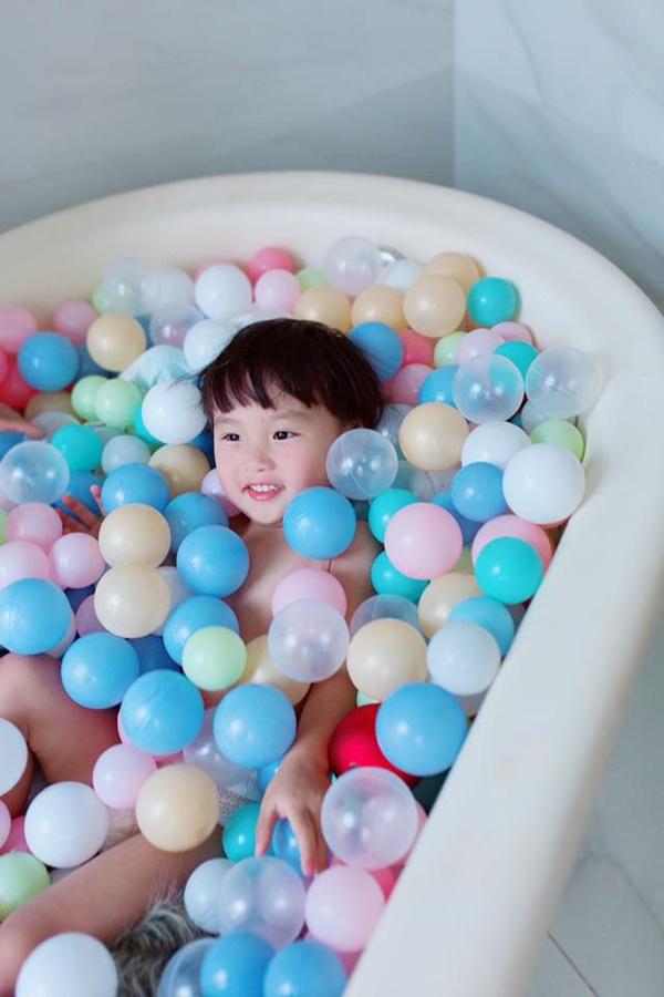 Uống trà sữa nhưng không thích trân châu, bé Sa con trai Quỳnh Trần JP né đạn theo cách siêu trí tuệ-2
