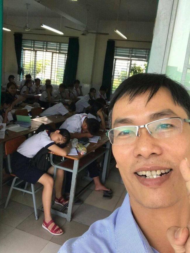 Đi kiểm tra thấy học sinh lăn ra ngủ gật, thầy hiệu phó có cách xử lý cực lầy khiến dân mạng phục sát đất-1